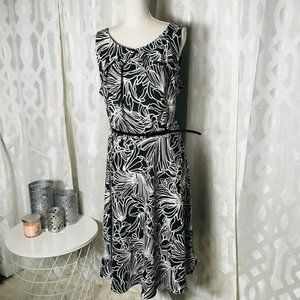 AGB Dress Women 20 W Black White Floral Belted sle